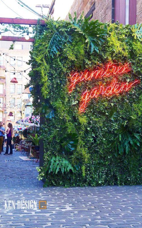 Trang trí nhà hàng với cỏ nhân tạo
