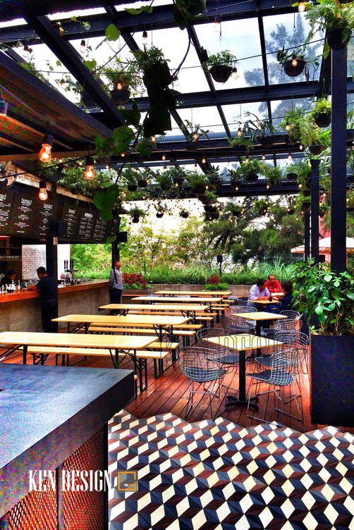 Trang trí nhà hàng với những mảng xanh dịu mắt