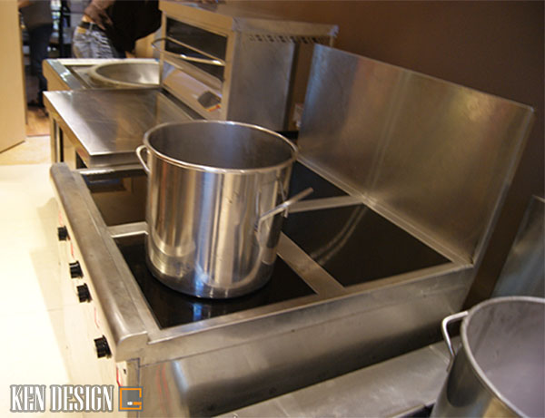cach phan biet thiet bi nha hang bep tu cong nghiep that gia 1 - Cách phân biệt thiết bị nhà hàng bếp từ công nghiệp thật giả
