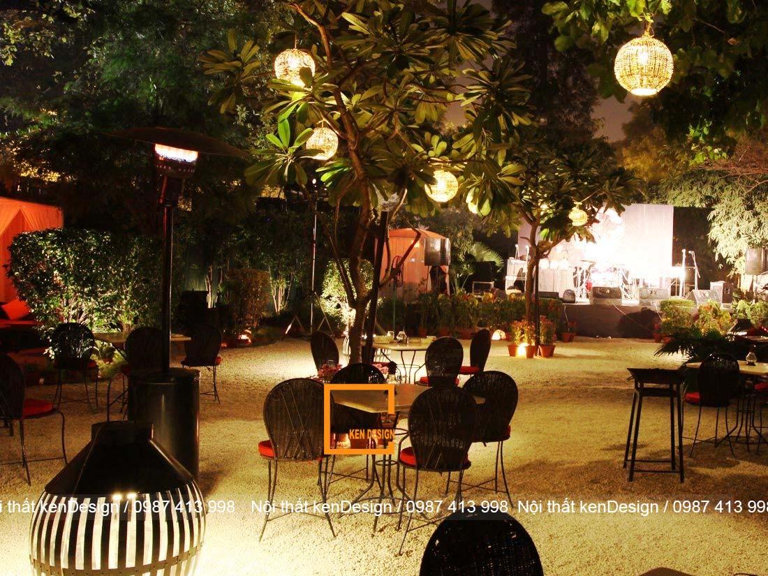 cach thiet ke ban ghe nha hang phong cach san vuon 1 - Cách thiết kế bàn ghế nhà hàng phong cách sân vườn