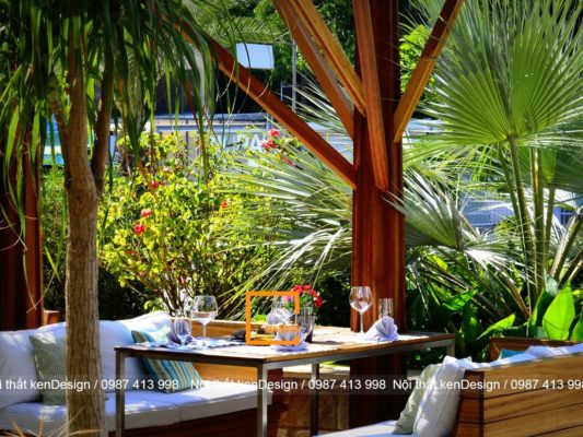 cach thiet ke ban ghe nha hang phong cach san vuon 4 533x400 - Cách thiết kế bàn ghế nhà hàng phong cách sân vườn