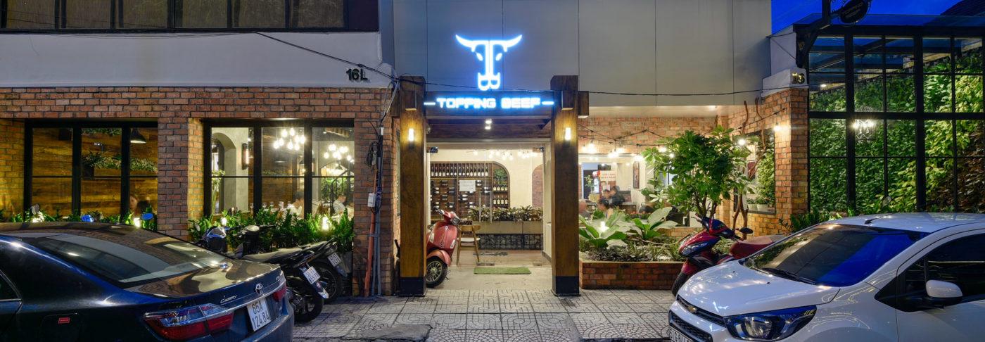 anh slide 3 1400x486 - Nhà hàng Topping Beef sau thi công- Chuẩn chất châu Âu giữa Sài Gòn hiện đại