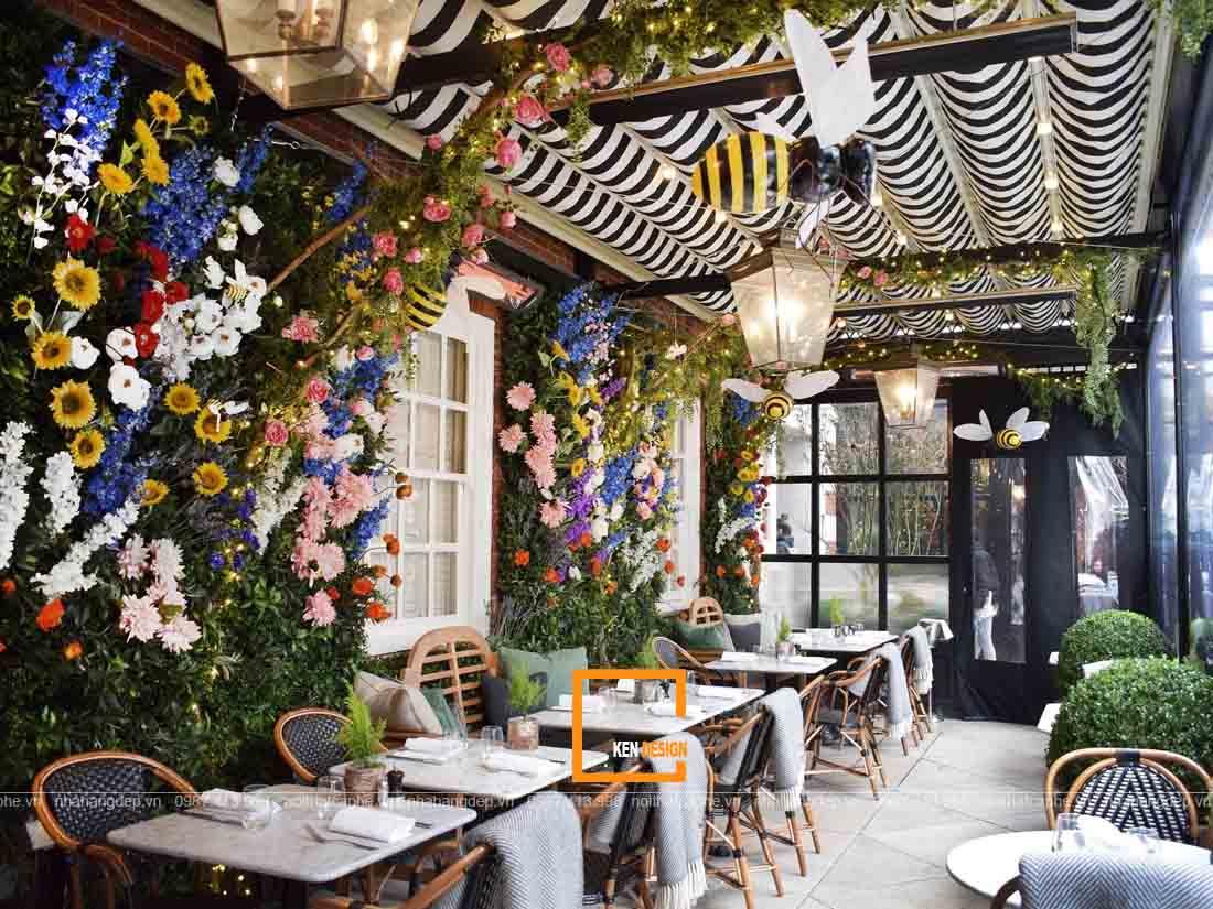 Thiết kế nhà hàng độc đáo đầy hoa xinh xắn