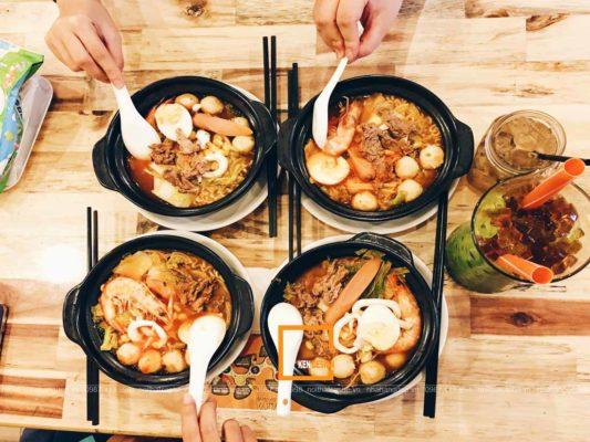huong dan thiet ke nha hang my cay phong cach han quoc 2 533x400 - Hướng dẫn thiết kế nhà hàng mỳ cay phong cách Hàn Quốc
