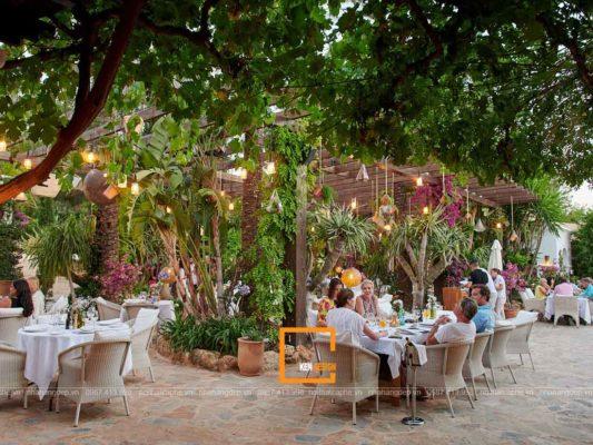 diem danh cac mau thiet ke nha hang san vuon doc dao 1 533x400 - Điểm danh các mẫu thiết kế nhà hàng sân vườn độc đáo