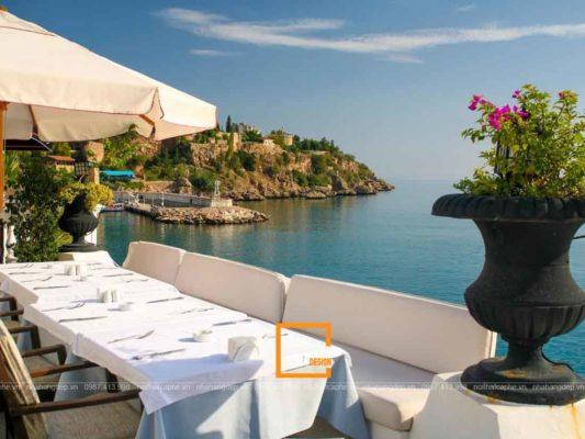 len y tuong thiet ke nha hang hai san san vuon 4 533x400 - Lên ý tưởng thiết kế nhà hàng hải sản sân vườn