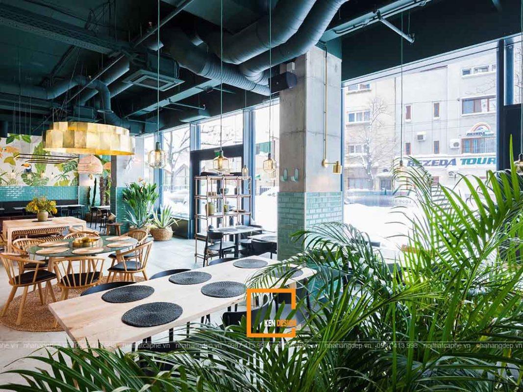 thiet ke nha hang an tuong voi vat lieu kinh va cay xanh 2 1067x800 - Thiết kế nhà hàng ấn tượng với vật liệu kính và cây xanh