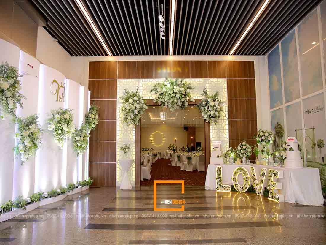Thiet Ke Nha Hang Tiec Cuoi (1)